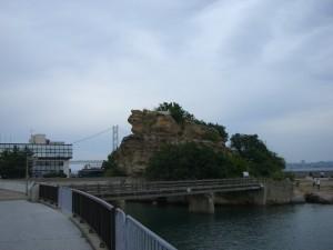淡路島北部にある絵島です