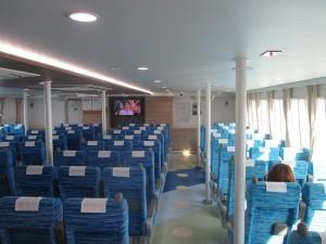 淡路ジェノバラインの「まりん・あわじ」の船室