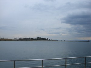 津名港 東側