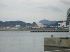 津名港 後方の埋立地を見る 2