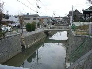志筑川です