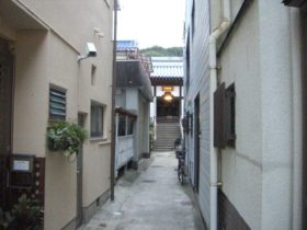 岩屋商店街のお寺
