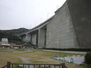 岩岩屋側から見る明石海峡大橋 3