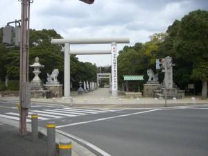 伊弉諾神宮へやってきました