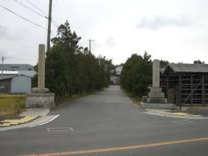 妙京寺へ続く並木道