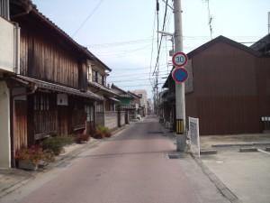 江国寺を捜して街中を歩く