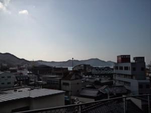 住吉神社から福良港を望む