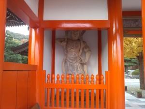 護国寺 山門の仁王像1