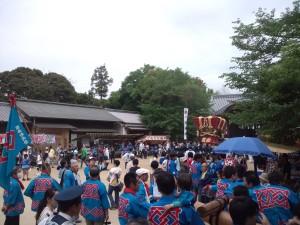 志筑八幡神社の境内