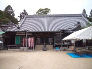 志筑 八幡寺の本堂