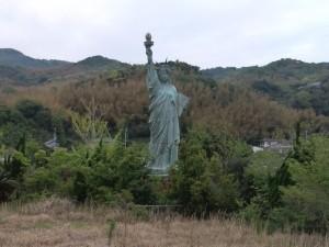 平和観音寺 自由の女神像