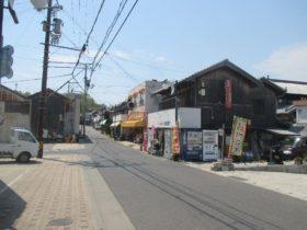五色町都志の商店街